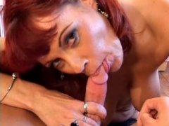 Sexe oral avec une mamie salope