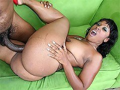 Belle femme africaine nue
